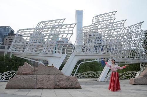 روز ولنتاین چینی در پارکی در شهر پکن/ رویترز