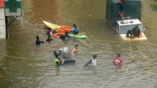 بیش از یک میلیون نفر در مناطقی از هند آواره شدند/نیشن نیوز