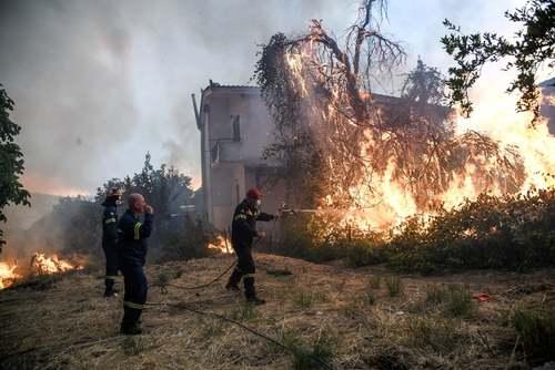 آتشسوزی جنگلی در یونان/ رویترز
