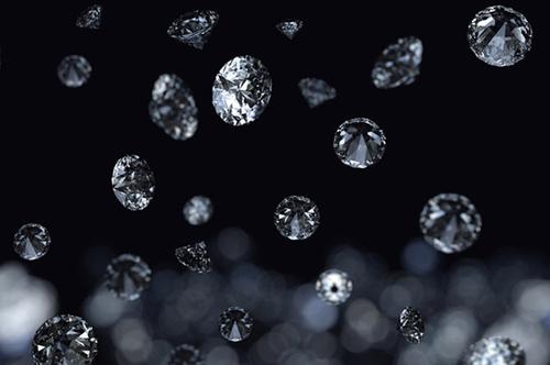روی مشتری و زحل باران الماس میبارد.