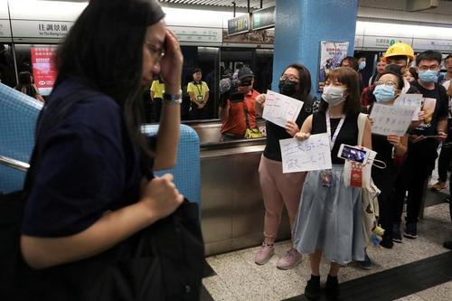 ادامه اعتراضات بر ضدچین در هنگ کنگ/ ایستگاه مترو/ رویترز
