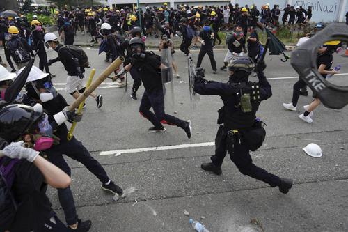 درگیری پلیس هنگکنگ با تظاهرات کنندگان/ آسوشیتدپرس و خبرگزاری فرانسه