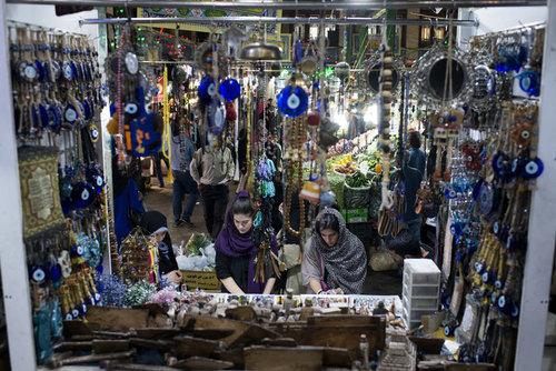 مغازه فروش بدلیجات در بازار تجریش تهران