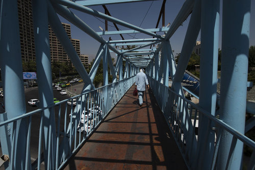 پل عابر پیاده در تهران