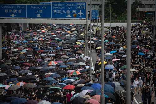 تظاهرات دهها هزار نفری معترضان هنگ کنگی علیه حاکمیت چین/ گتی ایمجز و آسوشیتدپرس