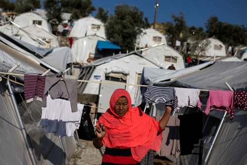 کمپ پناهجویان در جزیره