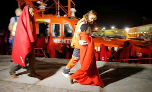 نجات پناهجویان آفریقایی از دریای مدیترانه در جزیره