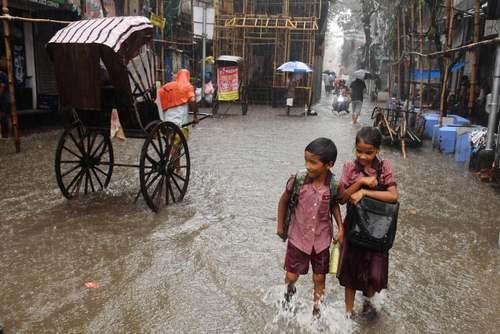 سیل در شهر کلکته هندوستان/ خبرگزاری فرانسه
