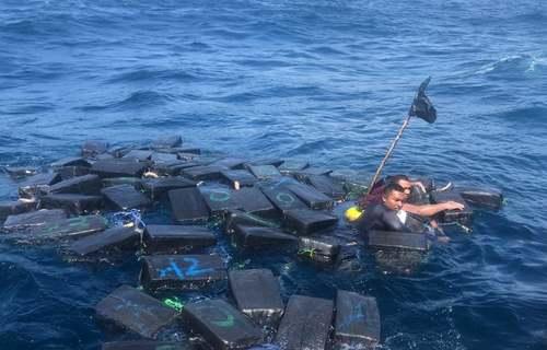 واژگون شدن یک قایق حاوی 1.2 تن کوکایین در ساحل کلمبیا/ خبرگزاری فرانسه