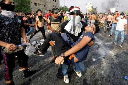 تظاهرات اعتراضی علیه فساد و بیکفایتی حکومت عراق در شهر بغداد/ رویترز
