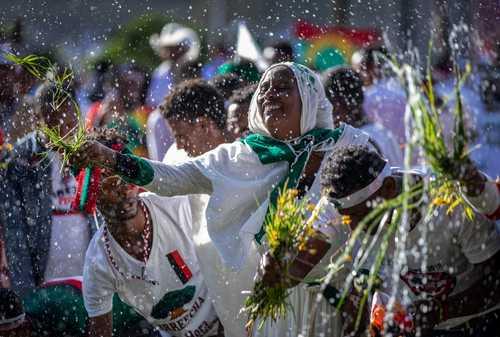 جشنواره سالانه شکرگذاری از باران و برداشت محصولات کشاورزی در اتیوپی/ آسوشیتدپرس