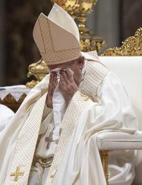 پاپ فرانسیس در مراسم انتخاب کاردینالهای جدید کلیسای کاتولیک در کلیسای سنتپترز واتیکان/ EPA