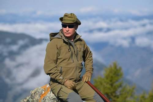 گشت و گذار پوتین در جنگلهای تایگا جنوب سیبری (هم مرز با مغولستان) به مناسبت تولد شصت و هفت سالگی/ کاخ کرملین