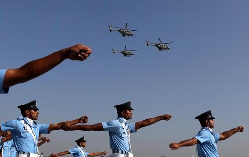 رژه روز نیروی هوایی هند در شهر دهلی/ رویترز و خبرگزاری فرانسه