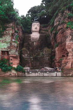 بودای غول پیکر لشان، چین