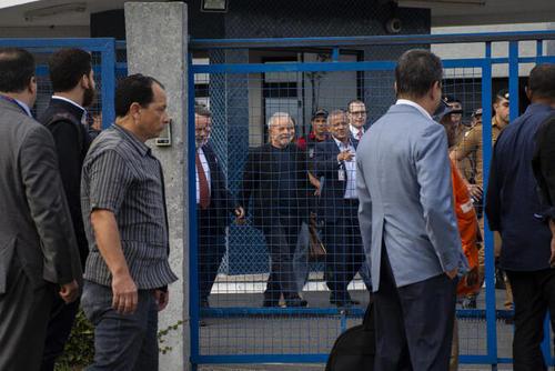 لحظه آزادی رییس جمهوری سابق برزیل از زندان/عکسها: آسوشیتدپرس
