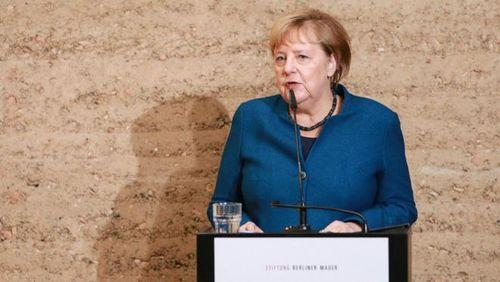 سخنرانی مرکل در کلیسای اتحاد آلمان در برلین به مناسبت سی امین سالگرد سقوط دیوار برلین/ گتی ایمجز