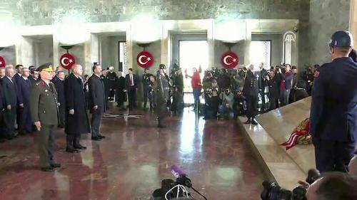 حضور اردوغان و اعضای هیات دولت ترکیه در مقبره آتاترک در آنکارا در مراسم هشتادو یکمین سالگرد درگذشت