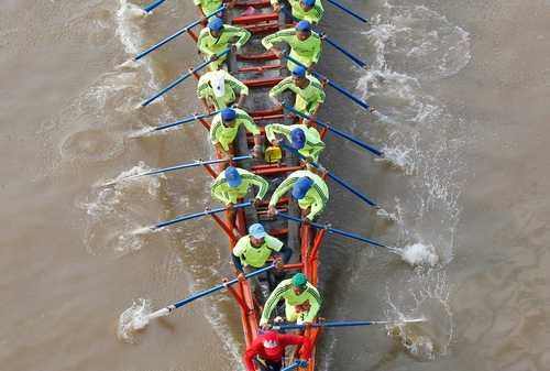 جشنواره قایقرانی در شهر