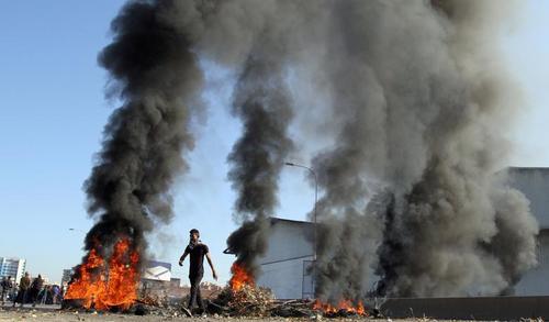 اعتراضات ضددولتی در شهر طرابلس لبنان/ رویترز