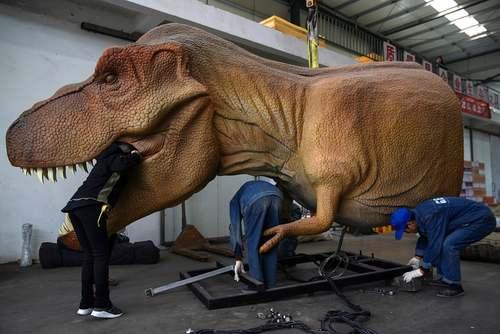 کارگاه ساخت ماکت دایناسور در شهر