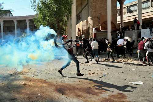 ادامه اعتراضات ضددولتی در بغداد/ آسوشیتدپرس و خبرگزاری فرانسه