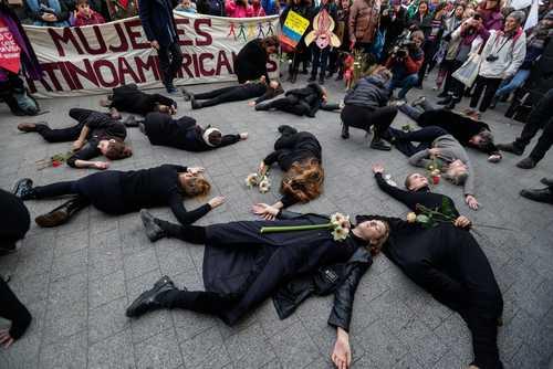 گردهمایی منع خشونت علیه زنان در شهر بروکسل بلژیک/ EPA