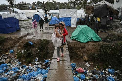 اردوگاه پناهجویان در جزیره