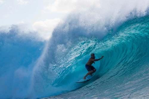 موج سوار برزیلی در سواحل هاوایی/ خبرگزاری فرانسه