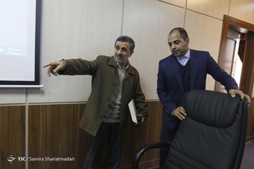 احمدی نژاد خودش جایش را مشخص می کند