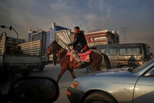 اسب سواری در خیابانهای کابل/ آسوشیتدپرس