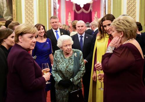 مهمانی ملکه بریتانیا به افتخار رهبران شرکت کننده 29 کشور عضو ناتو در کاخ باکینگهام در لندن/ رویترز