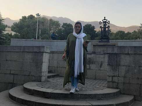سحر اسفندیاری در پارک نیاوران تهران