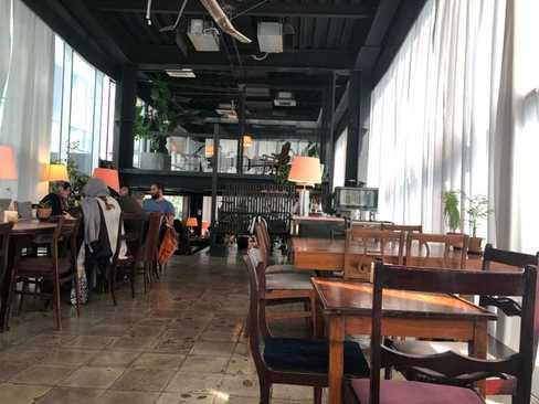 کافه سام در تهران با وای فای قوی و خوب