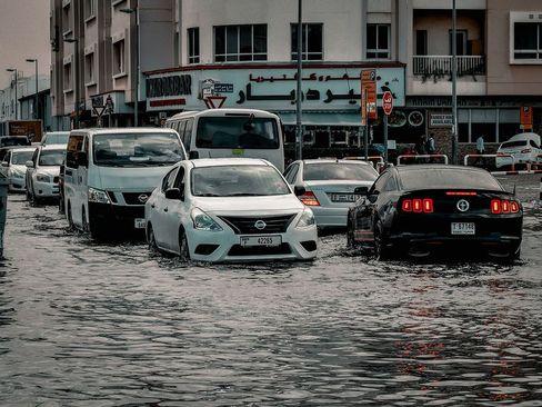 سیل در خیابانهای دوبی/ گلف نیوز
