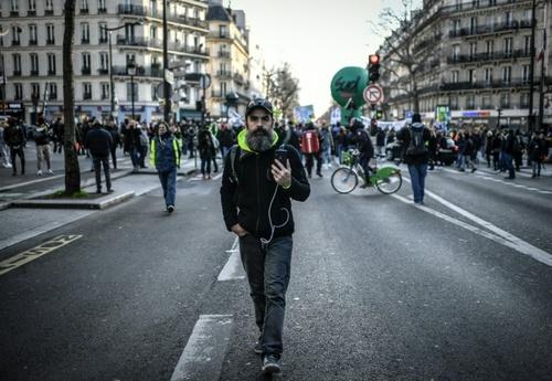 تظاهرات و اعتصاب کارکنان خط آهن سراسری فرانسه در شهر پاریس/ خحبرگزاری فرانسه