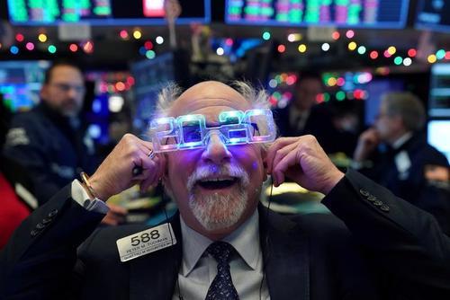 بازار بورس نیویورک در لحظه تحویل سال 2020