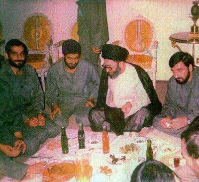 سردار سلیمانی و محسن رضایی در کنار رهبر انقلاب
