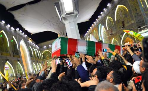 تشییع تابوت سردار شهید قاسم سلیمانی در حرم حضرت علی (ع) در شهر نجف عراق/ خبرگزاری فرانسه