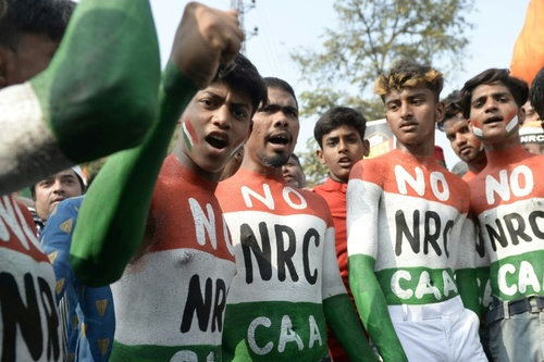 تظاهرات جوانان علیه قانون جدید شهروندی هند در شهر حیدرآباد/ خبرگزاری فرانسه