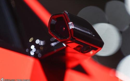 آینه مجازی در آئودی ایی-ترون 55 کواترو