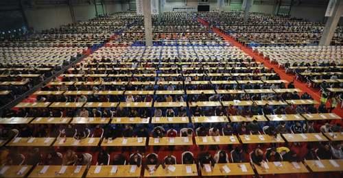 برگزاری آزمون استخدامی نهادهای دولتی اسپانیا با حضور 166 هزار متقاضی برای 4500 فرصت شغلی/ EPA