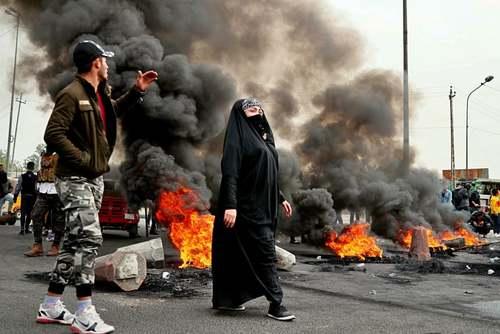 بستن خیابان در جریان تظاهرات ضددولتی در بغداد/ آسوشیتدپرس