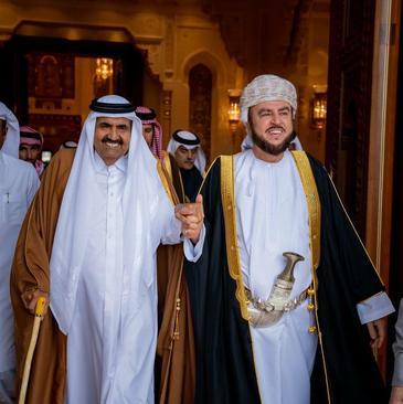 امیر سابق قطر (شیخ حمد بن خلیفة آل ثانی)در سفر به مسقط و تبریک به  سلطان جدید عمان
