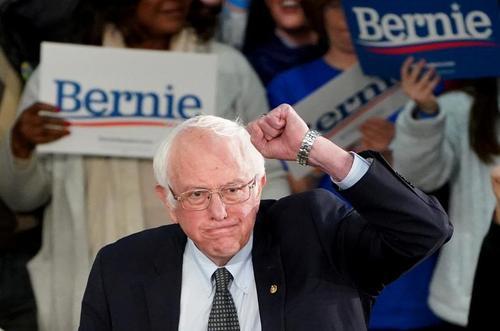 سخنرانی برنی سندرز یکی از نامزدهای حزب دموکرات آمریکا برای انتخابات 2020 در جمع حامیانش پس از پایان انتخابات مقدماتی نامزدهای حزب دموکرات در ایالت