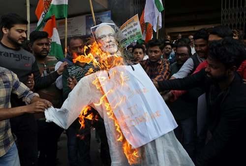 تظاهرات علیه نخست وزیر در شهر کلکلته هند/ رویترز