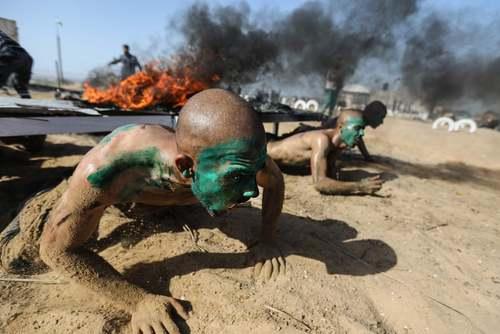 تمرینات بدنی آکادمی پلیس در نوار غزه/ خبرگزاری فرانسه