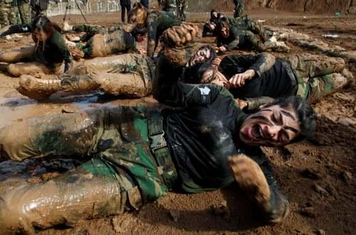 تمرینات نیروهای ویژه زن پیشمرگه ارتش اقلیم کردستان عراق در شهر اربیل عراق/ رویترز