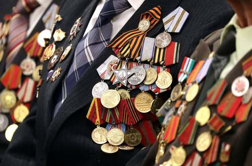 سربازان بازمانده از جنگ دوم جهانی در مراسم هفتادوپنجمین سالگرد پایان جنگ در