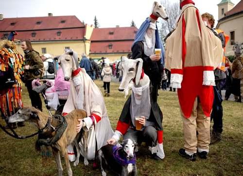 کارناوال آغاز بهار در جمهوری چک/ شینهوا